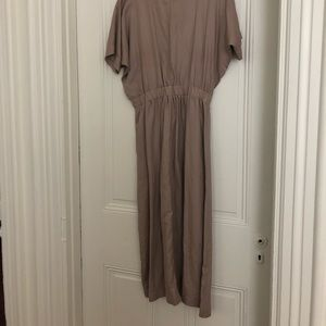 Aritzia Wilfred MIDI dress